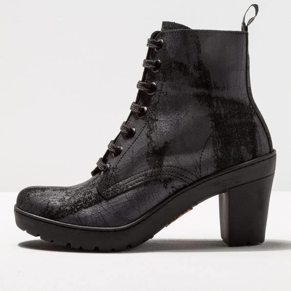 1756F SUEDE PAINTED BLACK/ TRAVEL